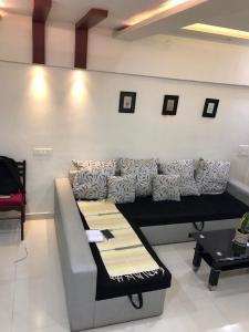 Gallery Cover Image of 2000 Sq.ft 2 BHK Independent House for buy in Pimple Nilakh for 13000000