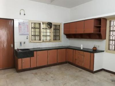 Gallery Cover Image of 1100 Sq.ft 2 BHK Independent House for rent in Indira Nagar for 25000