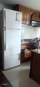 Gallery Cover Image of 1050 Sq.ft 2 BHK Apartment for rent in Matunga West for 65000