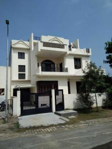 Gallery Cover Image of 3352 Sq.ft 6 BHK Independent House for buy in Omega II Greater Noida for 18000000