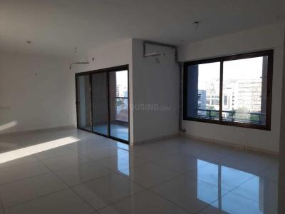 Gallery Cover Image of 2800 Sq.ft 3 BHK Apartment for rent in Zodiac Aarish, Jodhpur for 45000