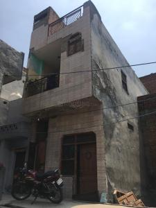 Gallery Cover Image of 450 Sq.ft 2 BHK Independent House for buy in Burari for 2500000