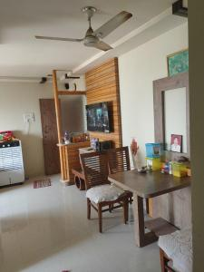 Gallery Cover Image of 650 Sq.ft 1 BHK Apartment for buy in Newan Sky, Vasai West for 4500000