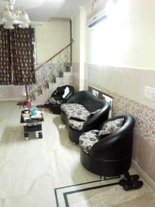 Gallery Cover Image of 1350 Sq.ft 3 BHK Independent Floor for rent in Kalkaji for 35000