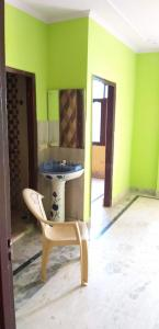 Gallery Cover Image of 1150 Sq.ft 3 BHK Apartment for rent in Sector 75 for 21000