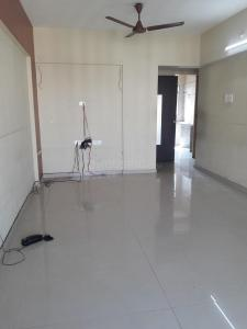 Gallery Cover Image of 920 Sq.ft 2 BHK Apartment for rent in Astor Place CHS, Kandivali West for 35000