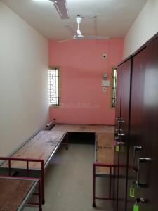 Bedroom Image of Sri Sai Graha Men's Hostel (pg) in Chromepet