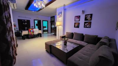 Gallery Cover Image of 1600 Sq.ft 3 BHK Apartment for buy in Nirala Eden Park 1, Ahinsa Khand for 8850000