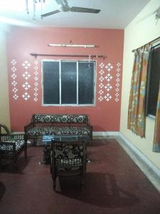 Gallery Cover Image of 1100 Sq.ft 2 BHK Independent Floor for rent in Behala for 13000