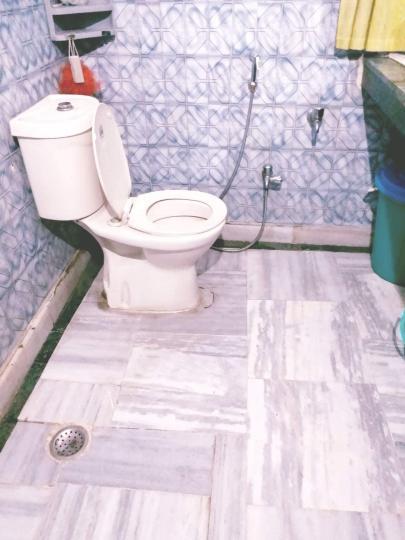 Common Bathroom Image of PG 4909637 Hauz Khas in Hauz Khas