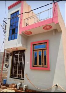 Gallery Cover Image of 570 Sq.ft 1 BHK Independent House for buy in Crossings Republik for 2200000