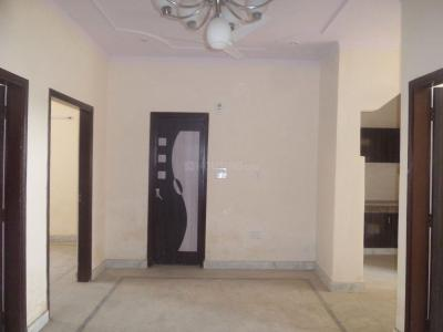 Gallery Cover Image of 1100 Sq.ft 3 BHK Apartment for rent in Dayal Bagh Colony for 10000