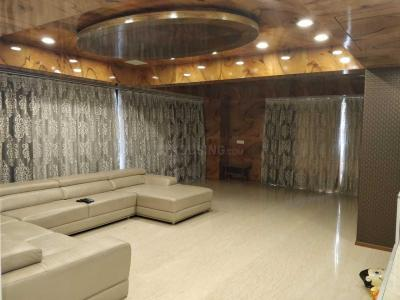 Gallery Cover Image of 5400 Sq.ft 5 BHK Apartment for rent in Khodiyar for 125000