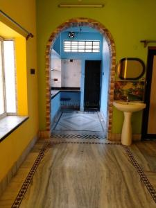 Gallery Cover Image of 650 Sq.ft 2 BHK Independent Floor for rent in Barrackpore for 8000