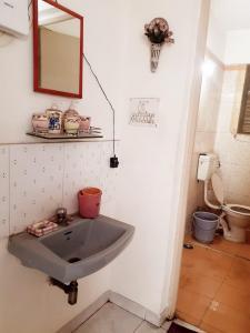 Bathroom Image of Grevillea in Magarpatta City