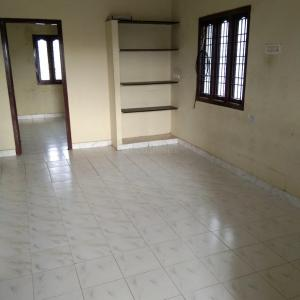 Gallery Cover Image of 950 Sq.ft 3 BHK Independent Floor for rent in Adhanur for 7000
