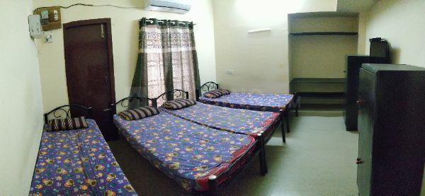 Bedroom Image of Inba Gents PG in Thoraipakkam