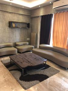 Gallery Cover Image of 1450 Sq.ft 3 BHK Apartment for rent in Vashi for 65000