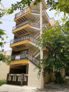 Gallery Cover Image of 752 Sq.ft 2 BHK Independent House for buy in J P Nagar 8th Phase for 15000000