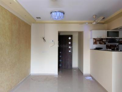 Gallery Cover Image of 665 Sq.ft 1 BHK Apartment for rent in Kandivali East for 20000
