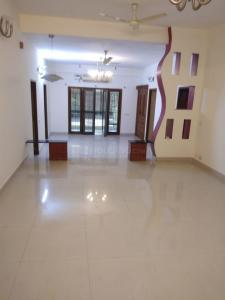 Gallery Cover Image of 2500 Sq.ft 4 BHK Apartment for rent in Adyar for 76000