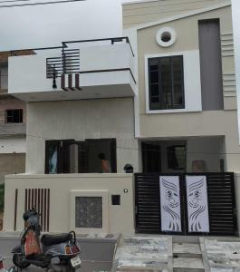 Gallery Cover Image of 1000 Sq.ft 3 BHK Independent House for buy in Sirodi for 4400000