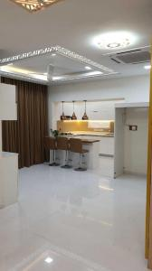 Gallery Cover Image of 1250 Sq.ft 2 BHK Apartment for rent in Sapthrishi Asta AVM, Vadapalani for 43000