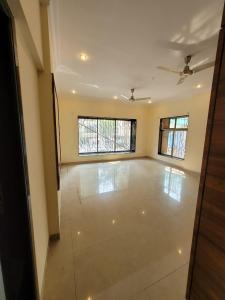 Gallery Cover Image of 2240 Sq.ft 3 BHK Apartment for buy in Vile Parle West for 75000000