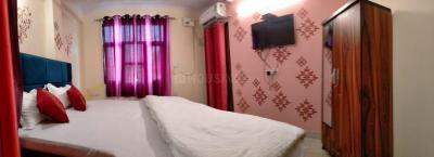 Bedroom Image of Taj PG in Sector 70