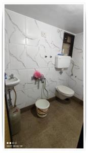 Bathroom Image of PG 6646992 Vasai East in Vasai East