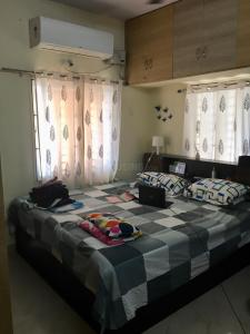 Gallery Cover Image of 1260 Sq.ft 2 BHK Apartment for rent in Ushodaya Signature, Miyapur for 19000