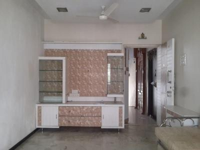 Gallery Cover Image of 660 Sq.ft 2 BHK Apartment for rent in Kandivali East for 25000