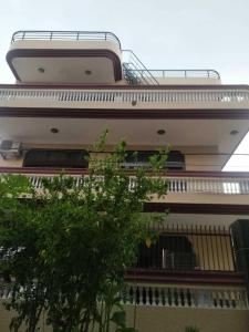 Gallery Cover Image of 1050 Sq.ft 3 BHK Independent Floor for rent in Sector 17 for 27000