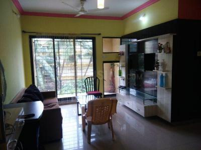 Gallery Cover Image of 1180 Sq.ft 3 BHK Apartment for rent in Ashish Swapnalok Towers , Malad East for 45000