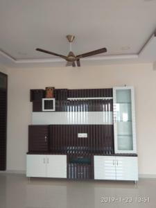 Gallery Cover Image of 1200 Sq.ft 2 BHK Apartment for rent in Kondapur for 17500
