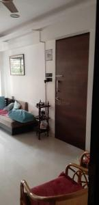 Gallery Cover Image of 1060 Sq.ft 2 BHK Apartment for rent in Prabhadevi for 70000