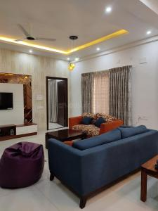 Gallery Cover Image of 2200 Sq.ft 4 BHK Villa for rent in TMR Blossoms, Kogilu for 125000