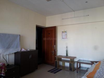 Gallery Cover Image of 745 Sq.ft 1.5 BHK Apartment for rent in Kandivali East for 25000