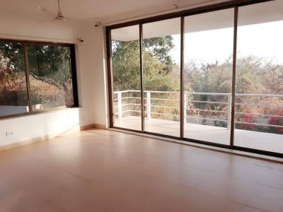 Gallery Cover Image of 6150 Sq.ft 3 BHK Independent House for buy in Uttan for 30000000
