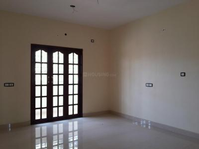 Gallery Cover Image of 1316 Sq.ft 3 BHK Apartment for buy in Korattur for 12800000