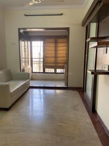 Gallery Cover Image of 958 Sq.ft 2 BHK Apartment for rent in Andheri West for 48000