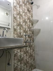 Bathroom Image of Zolo Stays in Chembur