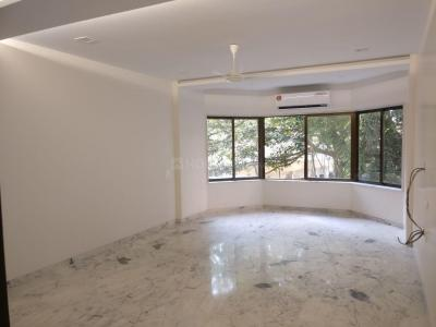 Gallery Cover Image of 1075 Sq.ft 2 BHK Apartment for rent in Solomon Apartments, Bandra West for 100000