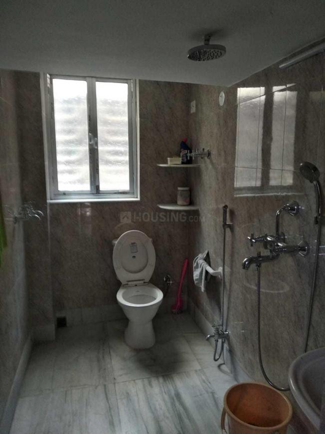 Common Bathroom Image of 850 Sq.ft 1 BHK Apartment for rent in Bhowanipore for 22000