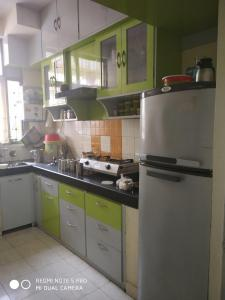 Gallery Cover Image of 1195 Sq.ft 3 BHK Apartment for rent in Ahinsa Khand for 16900