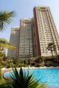 Gallery Cover Image of 1500 Sq.ft 3 BHK Apartment for rent in Kandivali East for 55000