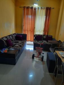 Gallery Cover Image of 850 Sq.ft 2 BHK Apartment for buy in Kalyan West for 5990000