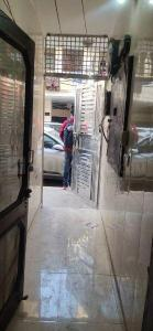 Gallery Cover Image of 600 Sq.ft 1 BHK Independent Floor for rent in Mukherjee Nagar for 12000