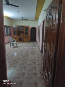 Gallery Cover Image of 1100 Sq.ft 2 BHK Independent House for rent in Iyyappanthangal for 12000