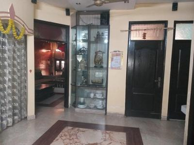Gallery Cover Image of 1800 Sq.ft 4 BHK Independent Floor for buy in Vishnu Garden for 15000000